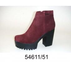 Women's red suede platform boots, model 54611-51